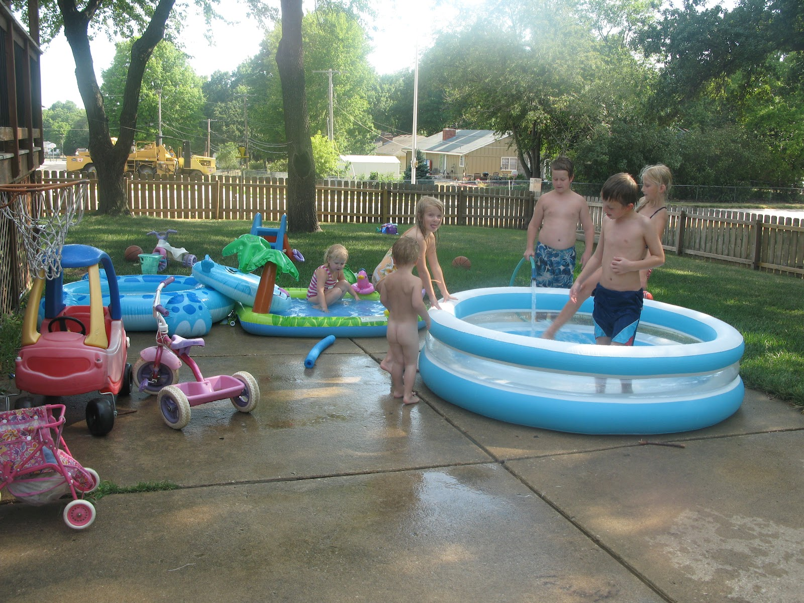 The Kerrie Show: Backyard Blow-up Pool Fun